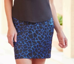 "CLEARANCE Greg Norman Ladies & Plus Size 18"" Giraffe Print Knit Golf Skorts - ANIMAL INSTINCTS (Blac"